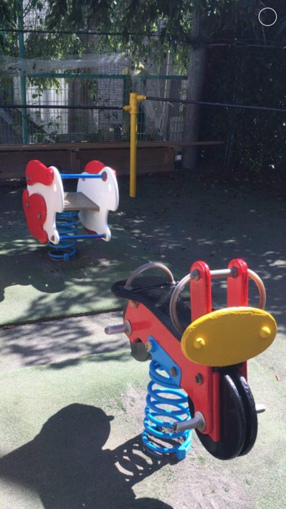 横浜市鶴見区 幼稚園の遊具の塗り替えボランティア施工完了致しました!!